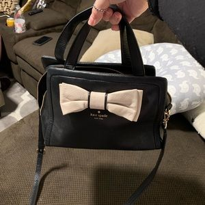 Kate spade bag with cross body strap